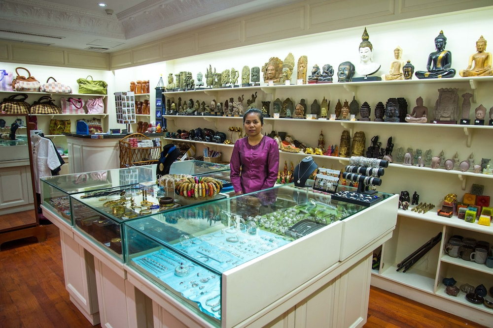 Gift Shop, Regency Angkor Hotel