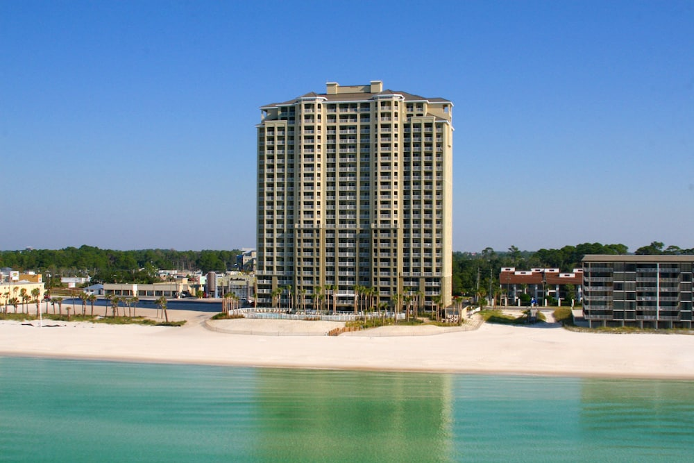 Property Grounds, Grand Panama Beach Resort by Emerald View Resorts