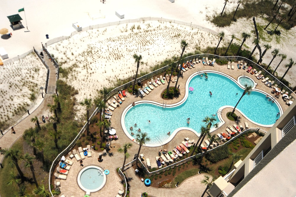 Outdoor Pool, Grand Panama Beach Resort by Emerald View Resorts