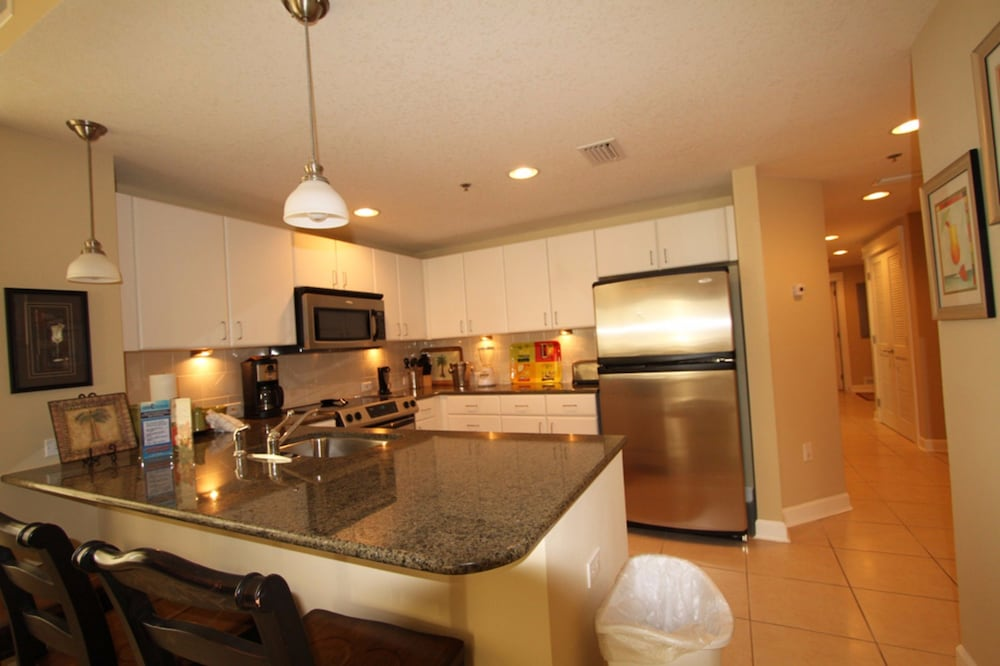Private Kitchen, Grand Panama Beach Resort by Emerald View Resorts