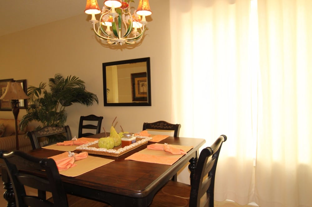 In-Room Dining, Grand Panama Beach Resort by Emerald View Resorts