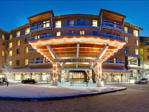 Front of Property - Evening/Night, Jay Peak Resort