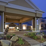 Holiday Inn Express & Suites Willmar, an IHG Hotel
