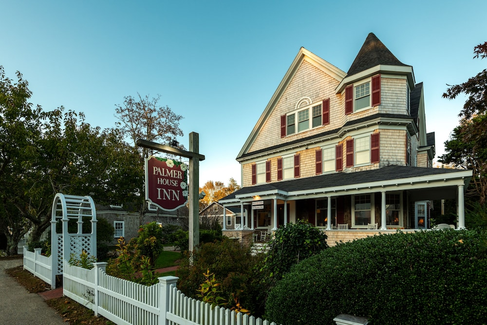 Front of Property, The Palmer House Inn