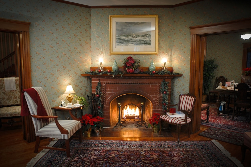 Fireplace, The Palmer House Inn