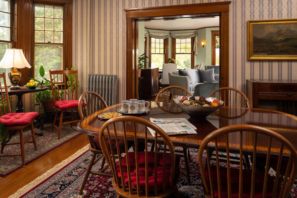 Breakfast Area, The Palmer House Inn