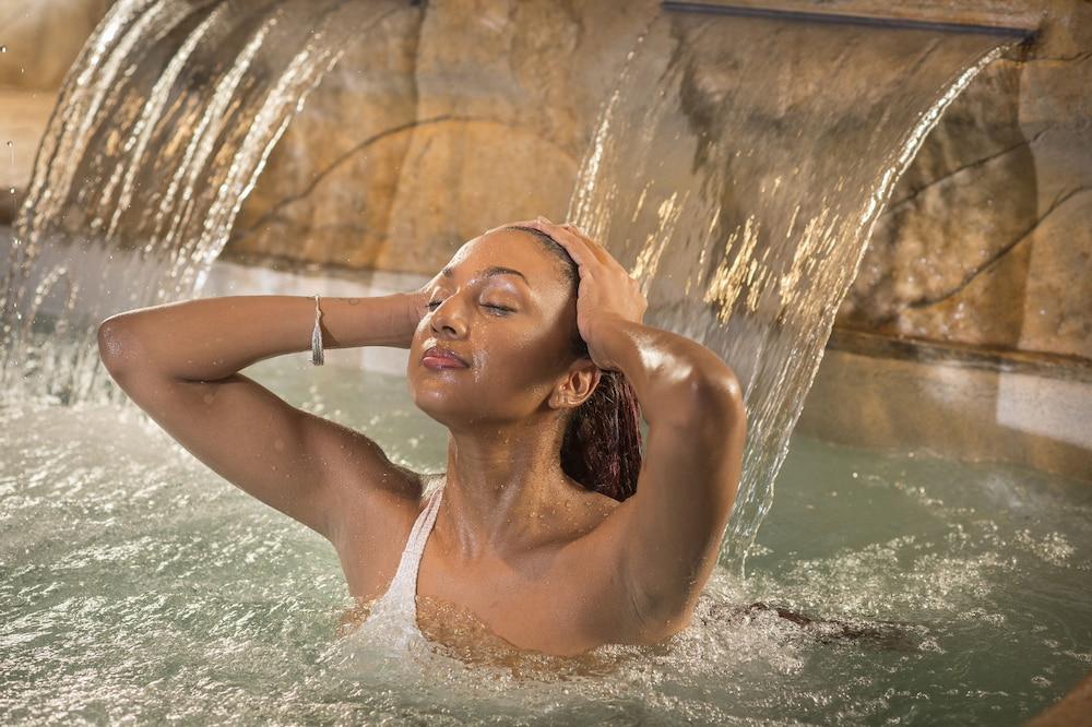 Spa Treatment, Living Water Resort and Spa