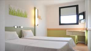 Frette Italian sheets, in-room safe, desk, free cots/infant beds