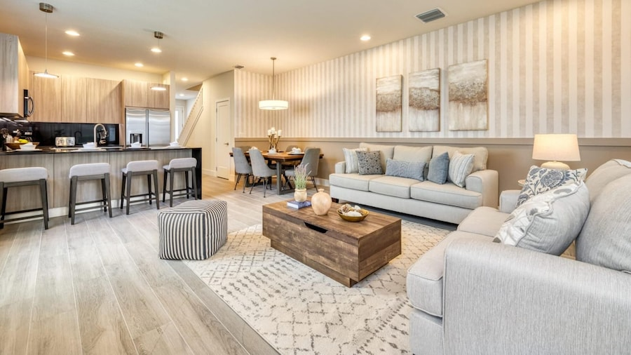 Chic and Spacious 4 Bedroom Home for 9 Guests