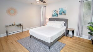 3 bedrooms, laptop workspace, iron/ironing board, bed sheets