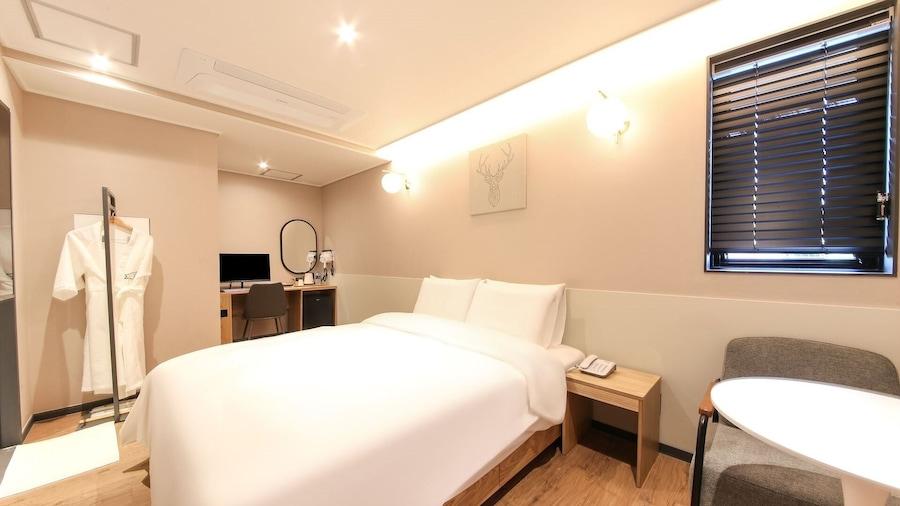 Hound Hotel Sasang