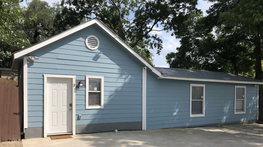 Remodeled Historic 1br/1ba House Near Downtown