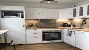 Réfrigérateur, four, plaque de cuisson, lave-vaisselle