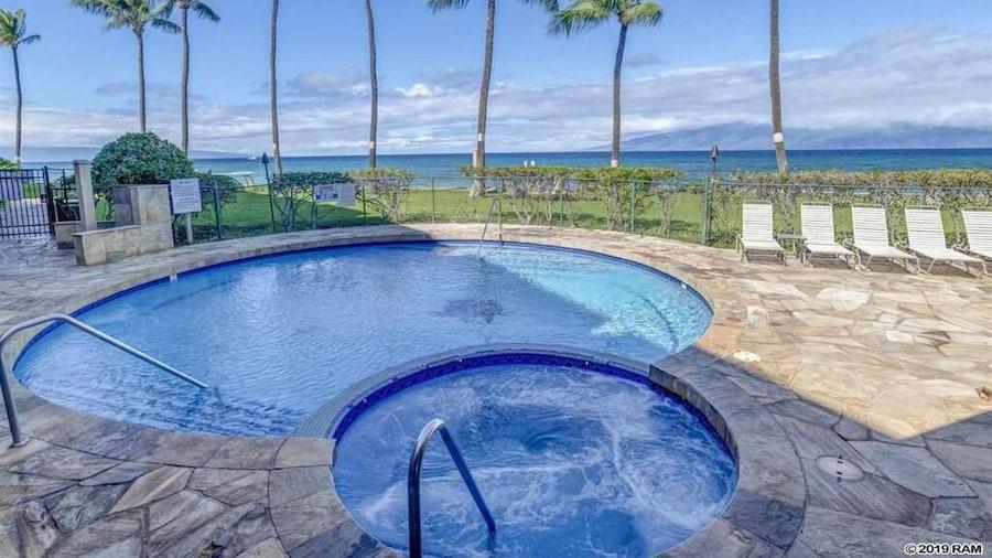 Paki Maui BeachFront Lahaina Condos