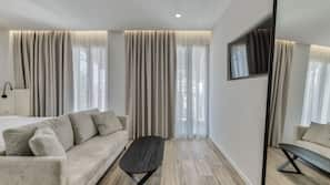 Hypo-allergenic bedding, blackout drapes, iron/ironing board, free WiFi