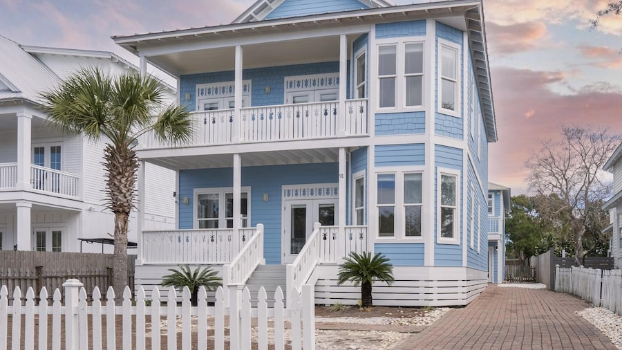Stingray in Destin With 6 Bedrooms and 5 Bathrooms