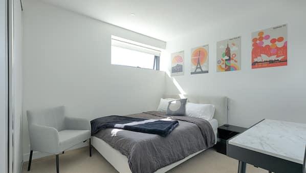 2 bedrooms, desk, iron/ironing board, free WiFi