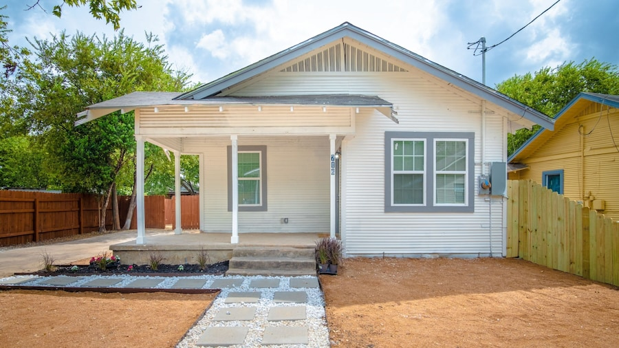 3br/2ba Remodeled House Near Downtown