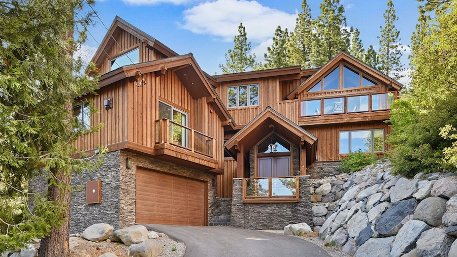 Lakeview Mountain Chalet