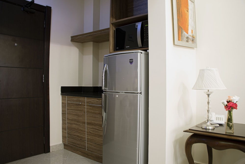 Private Kitchenette, Home Suites Boutique Hotel