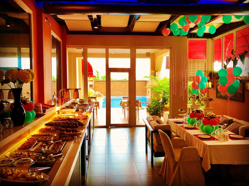 Breakfast buffet, Home Suites Boutique Hotel