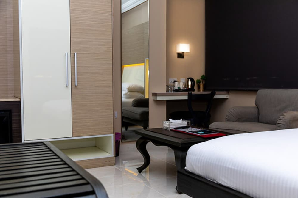 Room, Home Suites Boutique Hotel