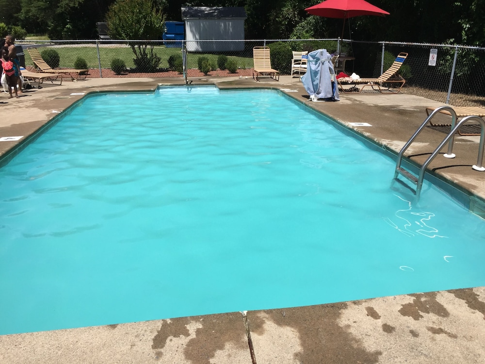 Pool 4 of 42