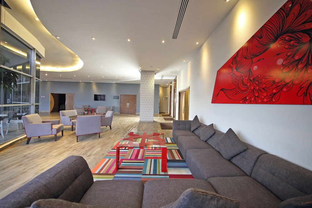 Lobby Sitting Area, Novotel Panama City
