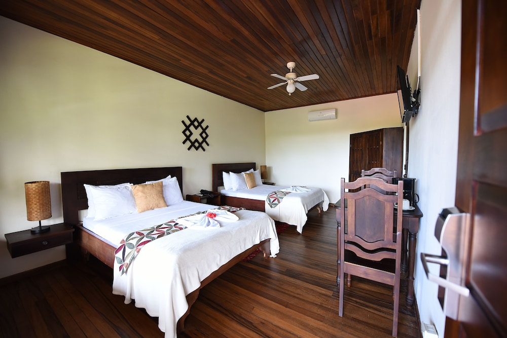 Room, Tabulia Tree Hotel and Villas
