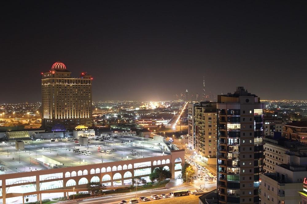 Book ivory grand hotel apartments dubai hotel deals for Dubai luxury hotel deals