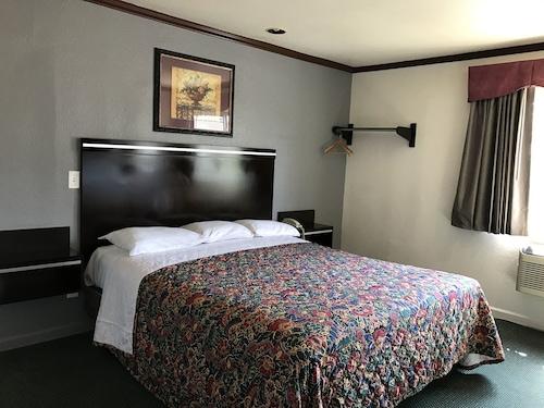 Great Place to stay Starlight Inn Canoga Park near Winnetka