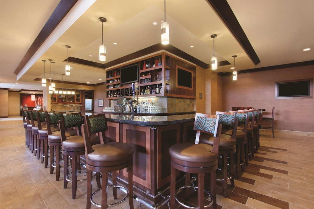 Bar, Hilton Garden Inn Oklahoma City Bricktown