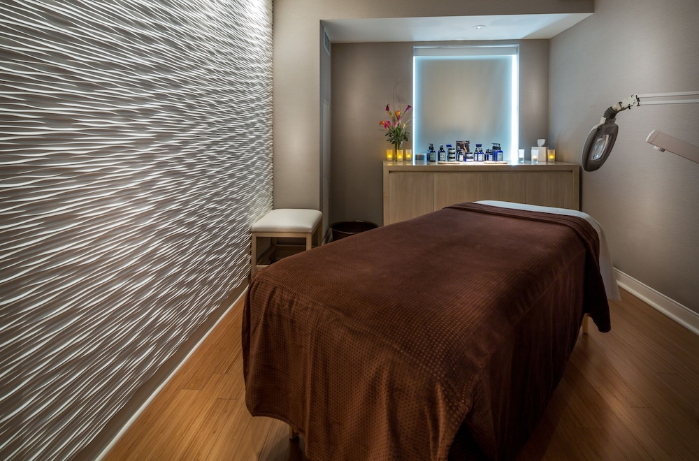Treatment Room, The Godfrey Hotel Chicago