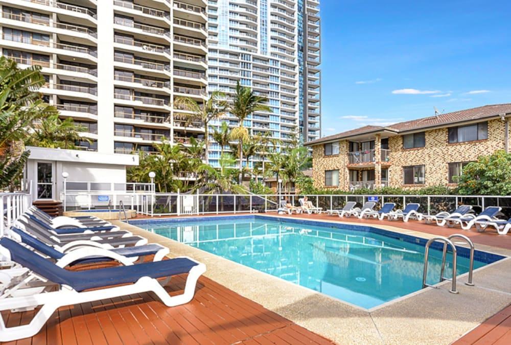 Surfers Century Oceanside Apartments Paradise Aus Best Price Guarantee Lastminute