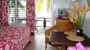 In-room safe, desk, free cots/infant beds