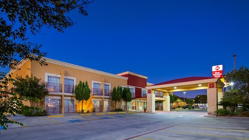 Great Place to stay Best Western Plus Atrium Inn near Schertz