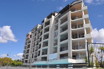 Goldsborough Place Apartments