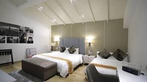1 bedroom, down duvets, free minibar, in-room safe