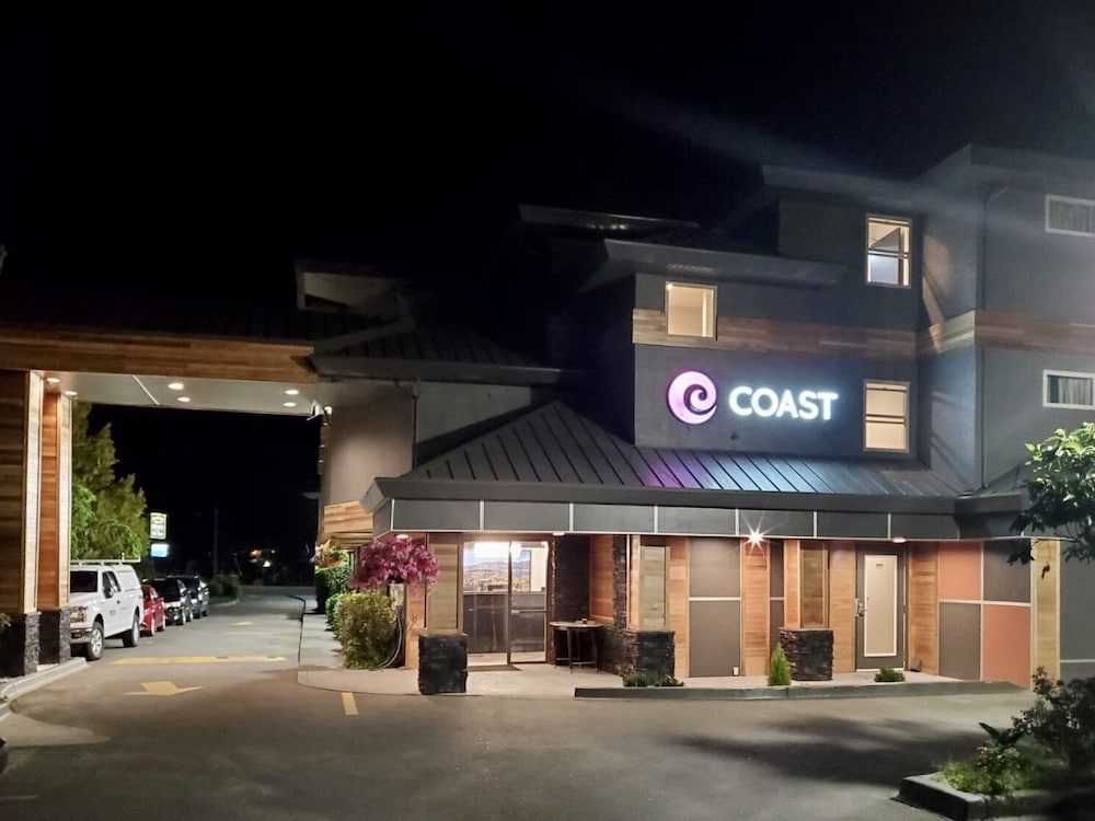 Featured Image, Coast Parksville Hotel