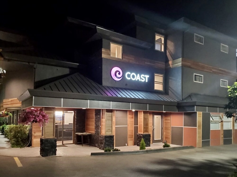 Property Entrance, Coast Parksville Hotel