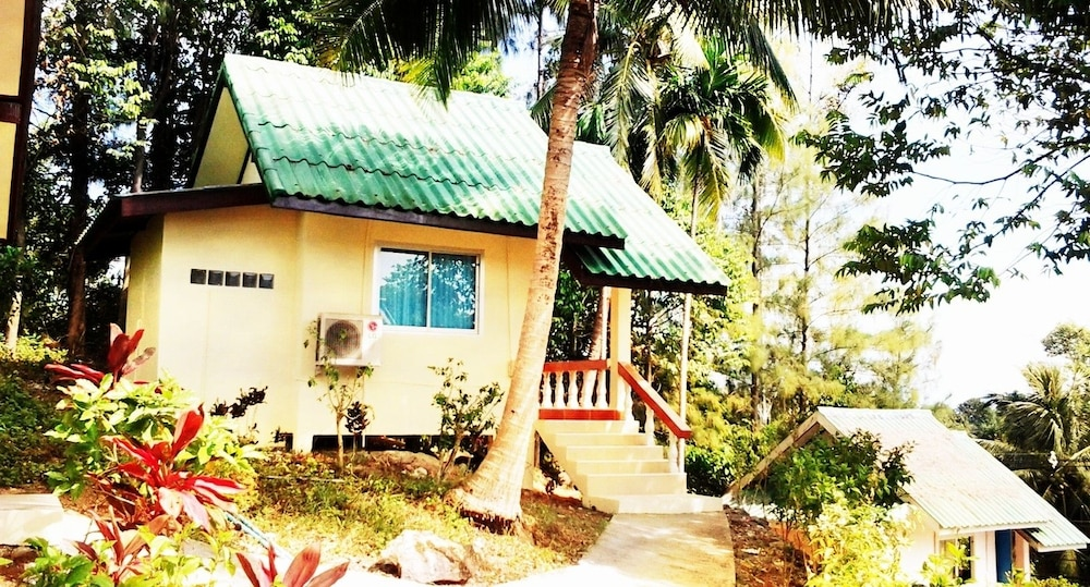 Featured Image, Asia BackPackers Koh Chang