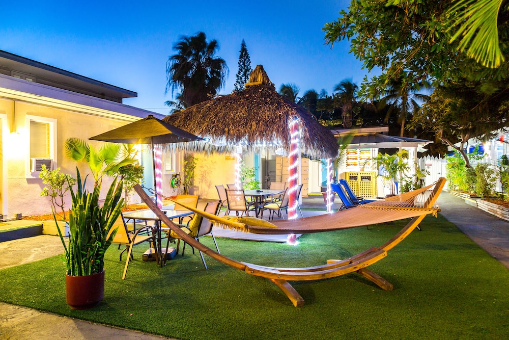 Featured Image, Seashell Motel & Key West Hostel