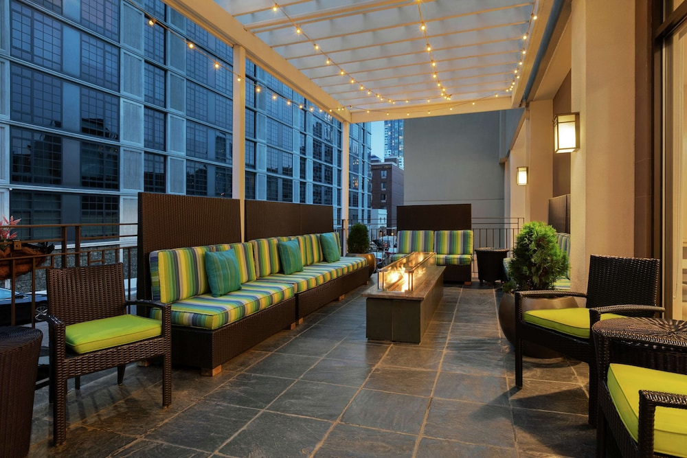 Terrace/Patio, Home2 Suites by Hilton NY Long Island City/Manhattan View