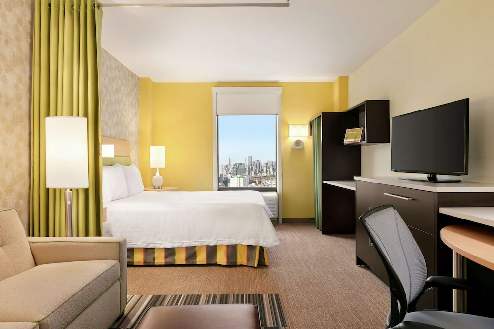 Room, Home2 Suites by Hilton NY Long Island City/Manhattan View