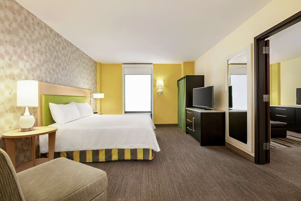 Room Amenity, Home2 Suites by Hilton NY Long Island City/Manhattan View
