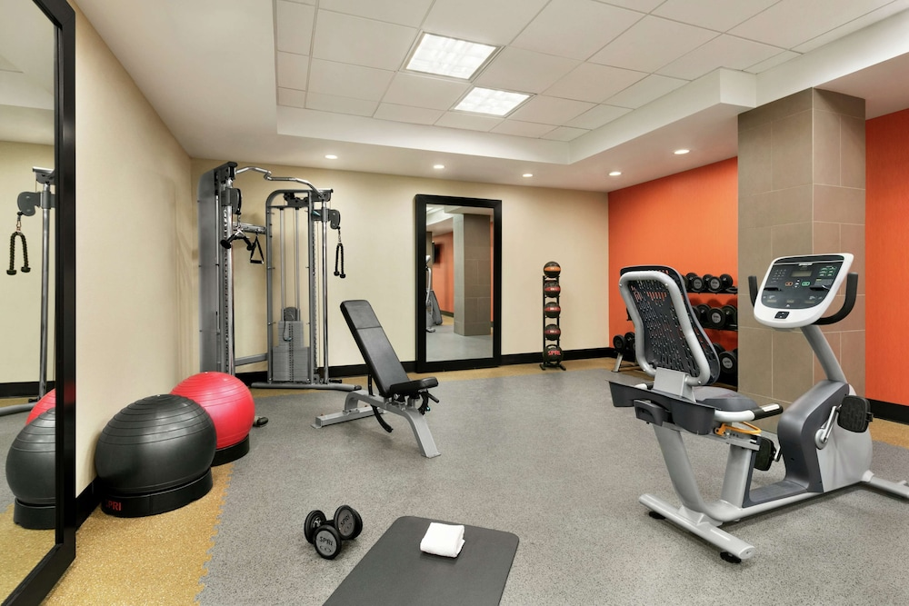 Fitness Facility, Home2 Suites by Hilton NY Long Island City/Manhattan View