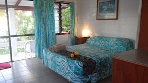 Premium bedding, iron/ironing board, WiFi