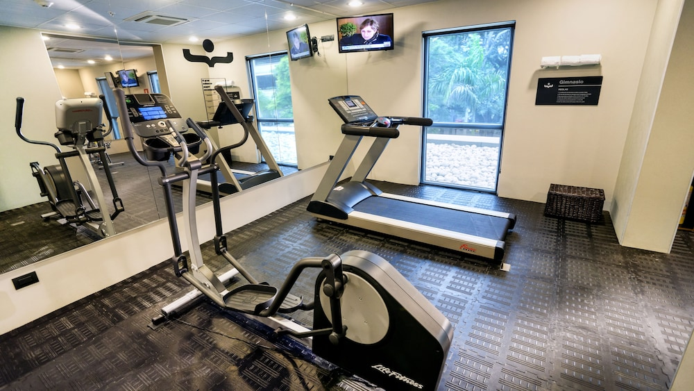Fitness Facility, City Express Plus Cali