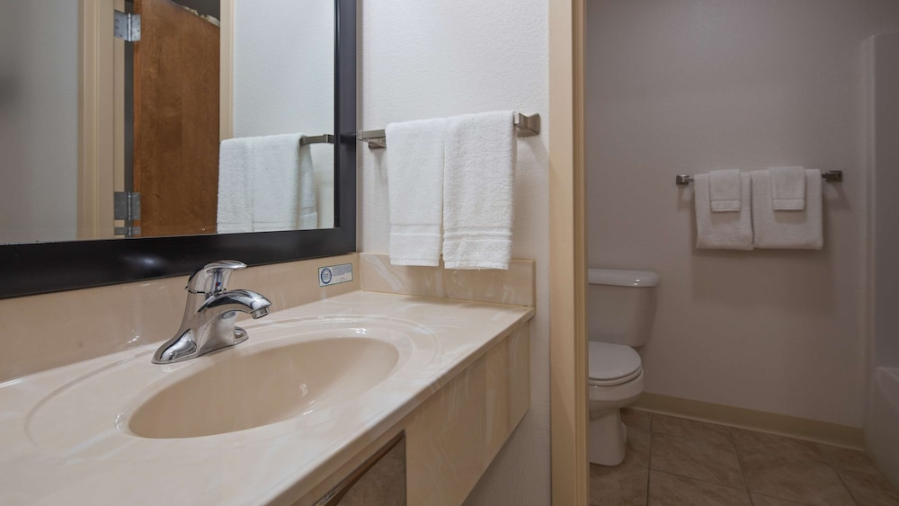 Bathroom, SureStay Hotel by Best Western Whittington Rend Lake
