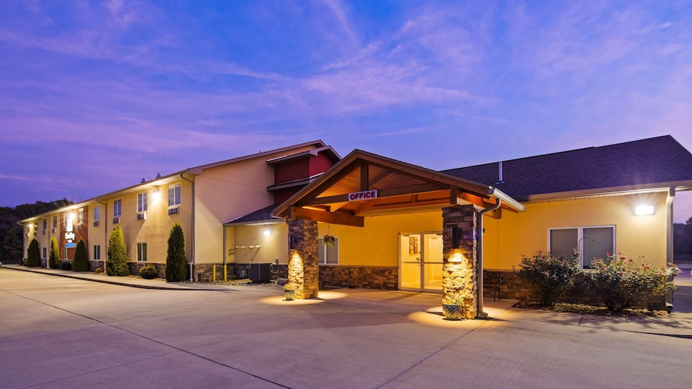 Exterior, SureStay Hotel by Best Western Whittington Rend Lake